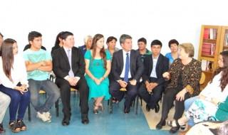 Para web Presidenta con estudiantes de Ovalle 1